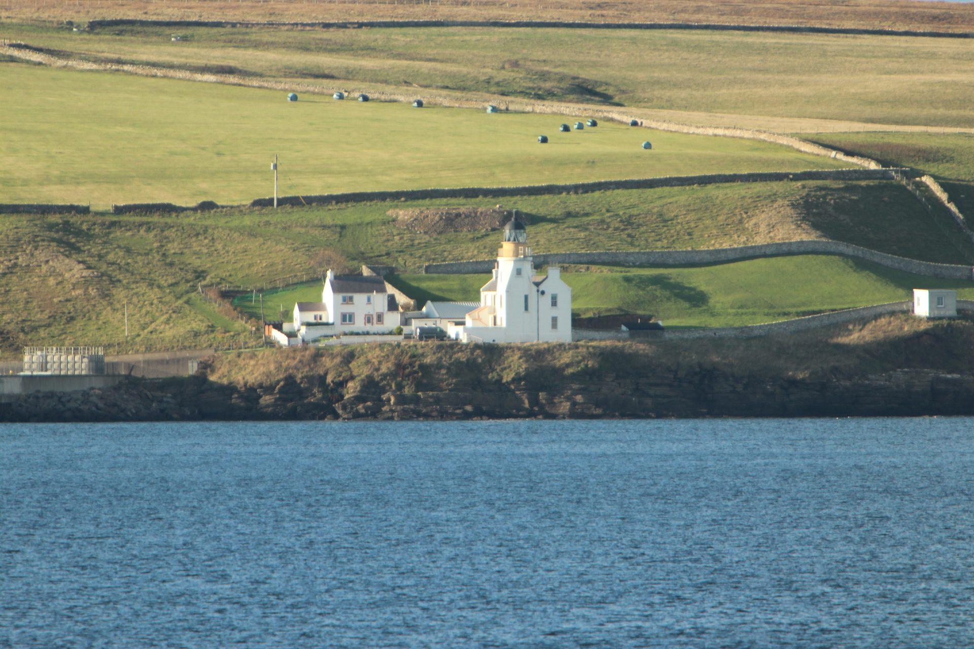 Scrabster Lighthouse (Petes Ultrasonic Lens)